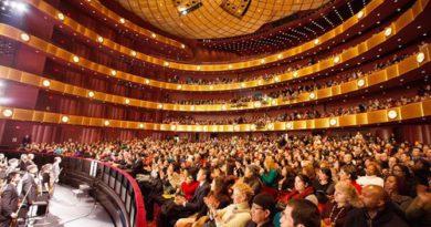 Shen Yun передав глядачам божественні послання під час виступів, що проходили з аншлагом в Лінкольн-центрі Нью-Йорка