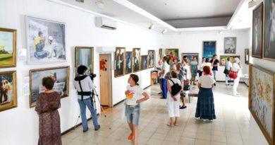 Україна. Міжнародна художня виставка несе світло надії