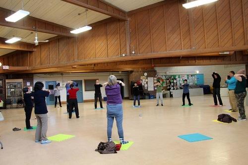 Безкоштовне навчання вправам Фалунь Дафа в будівлі Stan Wadlow Clubhouse (м. Торонто, Канада)