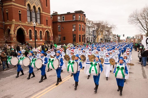 Парад Фалунь Дафа за участю оркестру Тянь Го (Бостон, США)