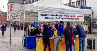 Німеччина. Поширення інформації про насильницьке видаляння органів у учнів Фалунь Дафа в Китаї