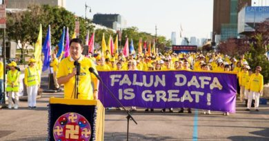 Нью Йорк. Мітинг і вечір пам'яті зі свічками з метою припинити переслідування Фалуньгун