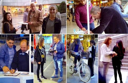 Біля входу на станцію метро перед Софійським університетом практикуючі розповідають жителям і гостям міста про переслідування Фалуньгун у Китаї