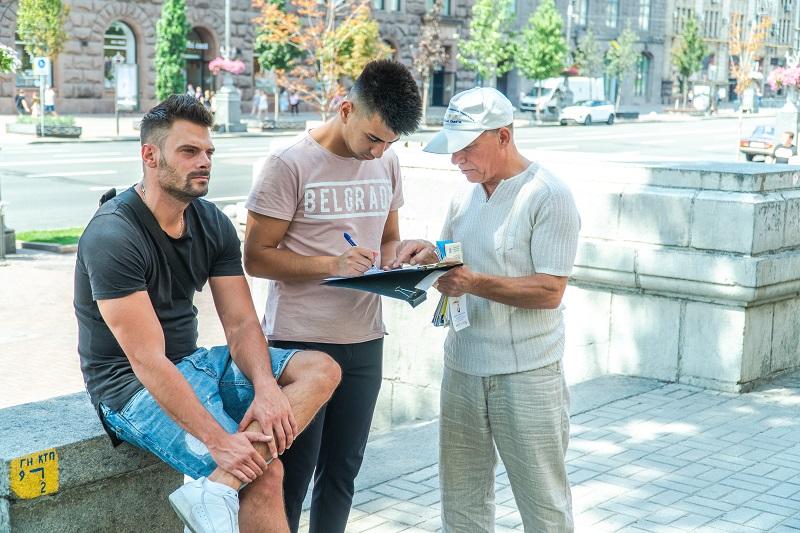 Багато людей доброї волі поставили свої підписи під петицією, щоб допомогти зупинити репресії